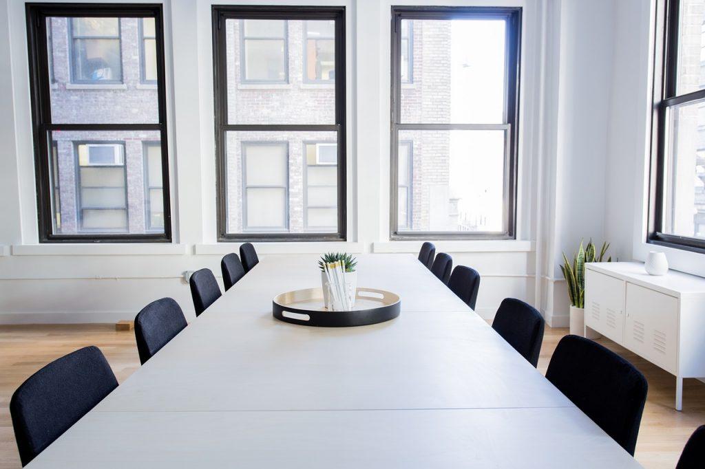 כסאות לחדר ישיבות