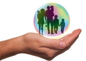 יד והורים עם ילדים