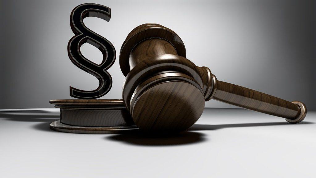 כמה עולה עורך דין
